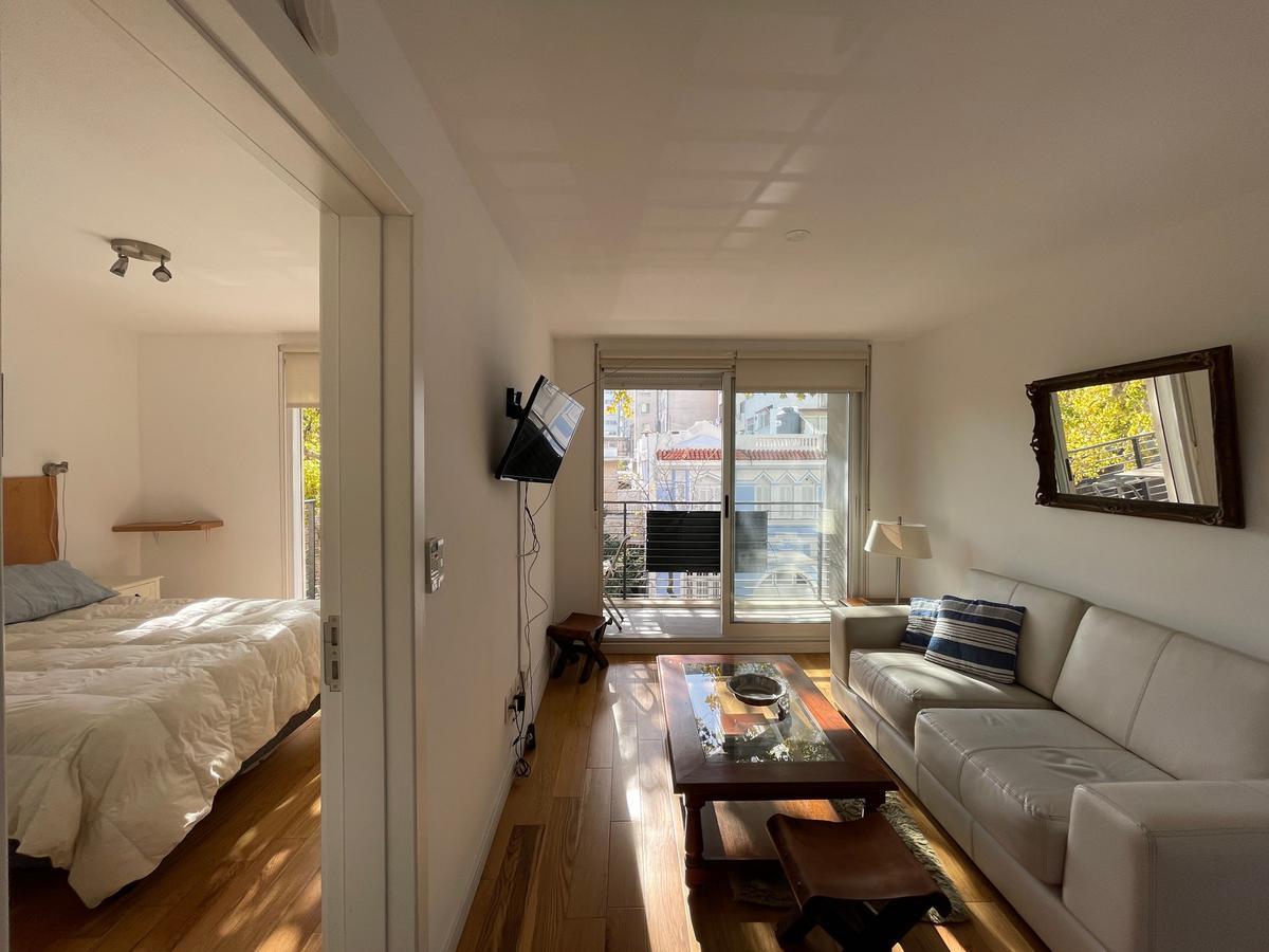 Foto Apartamento en Alquiler en  Punta Carretas ,  Montevideo  Linda planta, Con o sin muebles.