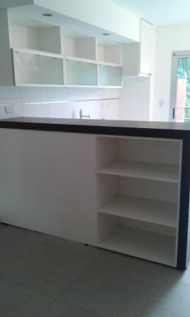 Foto Departamento en Alquiler en  Moron ,  G.B.A. Zona Oeste  Sarmiento al 300