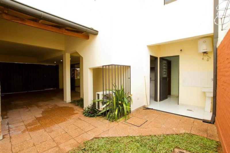 Foto Casa en Venta en  Ycua Sati,  Santisima Trinidad  Zona Ycua Sati
