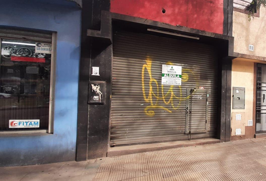 Foto Local en Alquiler en  Centro (Moreno),  Moreno  Alquila Local Pagano 2886, esquina Libertador