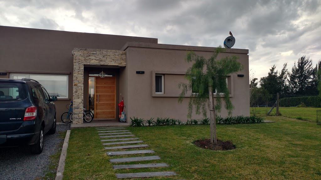 Foto Casa en Venta en  Lagos Del Norte,  Countries/B.Cerrado (Tigre)  Km  25 al 100