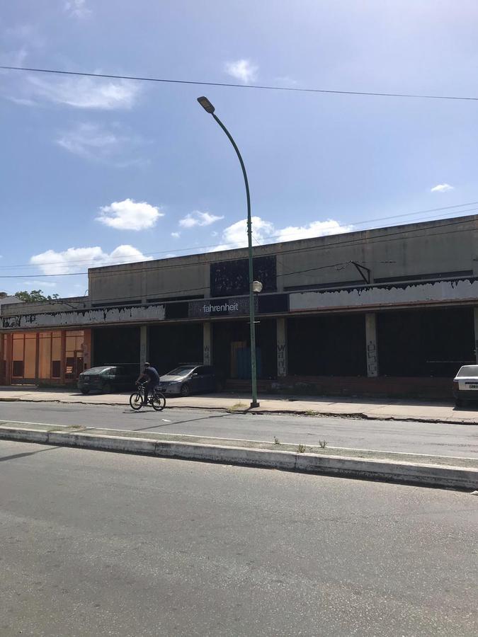 Foto Galpón en Venta en  La Plata,  La Plata  CENTENARIO Y 520