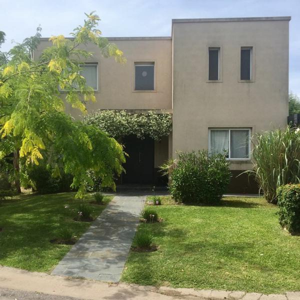 Foto Casa en Venta |  en  El Atardecer,  Rincon de Milberg  El Atardecer al 100