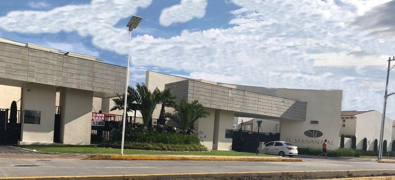 Foto Casa en condominio en Renta en  Metepec ,  Edo. de México  Casa en Renta en Fracc. El Manantial Metepec