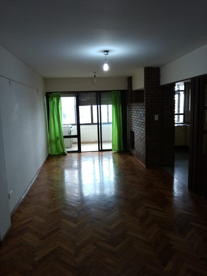 Foto Departamento en Venta en  Abasto,  Rosario      Maipú 2400 c/COCHERA,VENDO YA