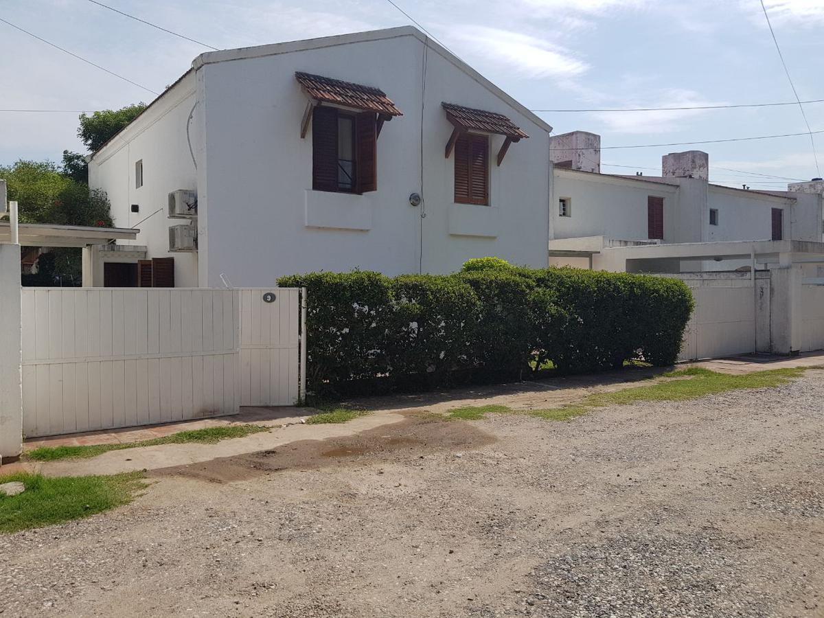 Foto Casa en Venta en  Villa San Isidro,  Cordoba  Leonismo Argentino al 700