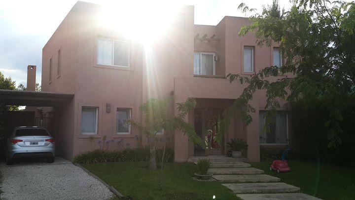 Foto Casa en Alquiler temporario en  Rincon De Milberg,  Tigre  Barrio Cerrado El Atardecer