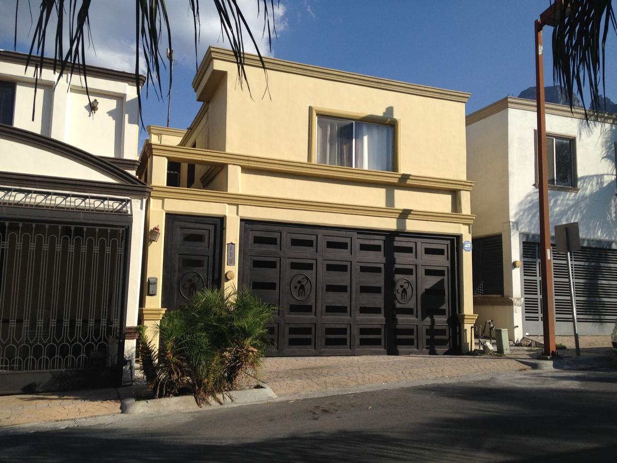 Foto Casa en Renta en  Monterrey ,  Nuevo León  CASA EN RENTA COLONIA CERRADAS DE CUMBRES