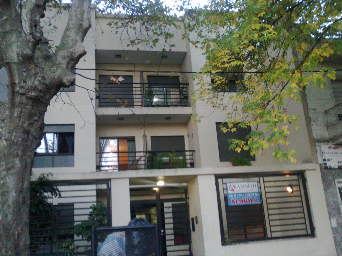 Foto Departamento en Alquiler en  La Plata,  La Plata  calle 14 61 y 62