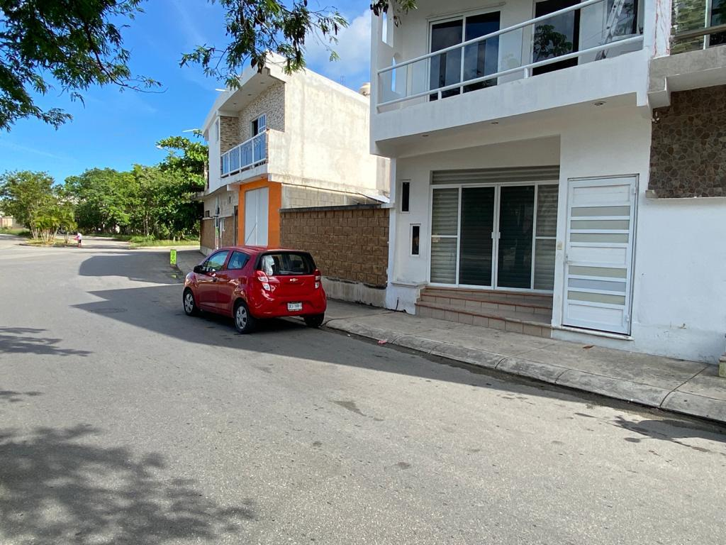Foto Local en Renta en  Las Palmas,  Solidaridad  Local Comercial Las Palmas II en Renta