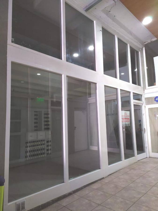 Foto Oficina en Alquiler en  Capital ,  Neuquen  Alberdi al 100