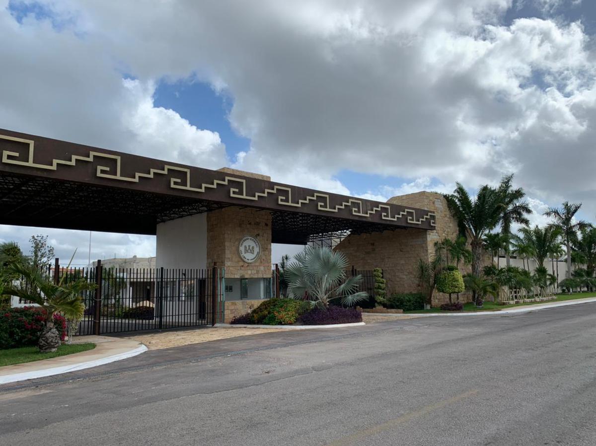 Foto Casa en Venta en  Mérida ,  Yucatán  Fraccionamiento  Residencial Imperioconkal