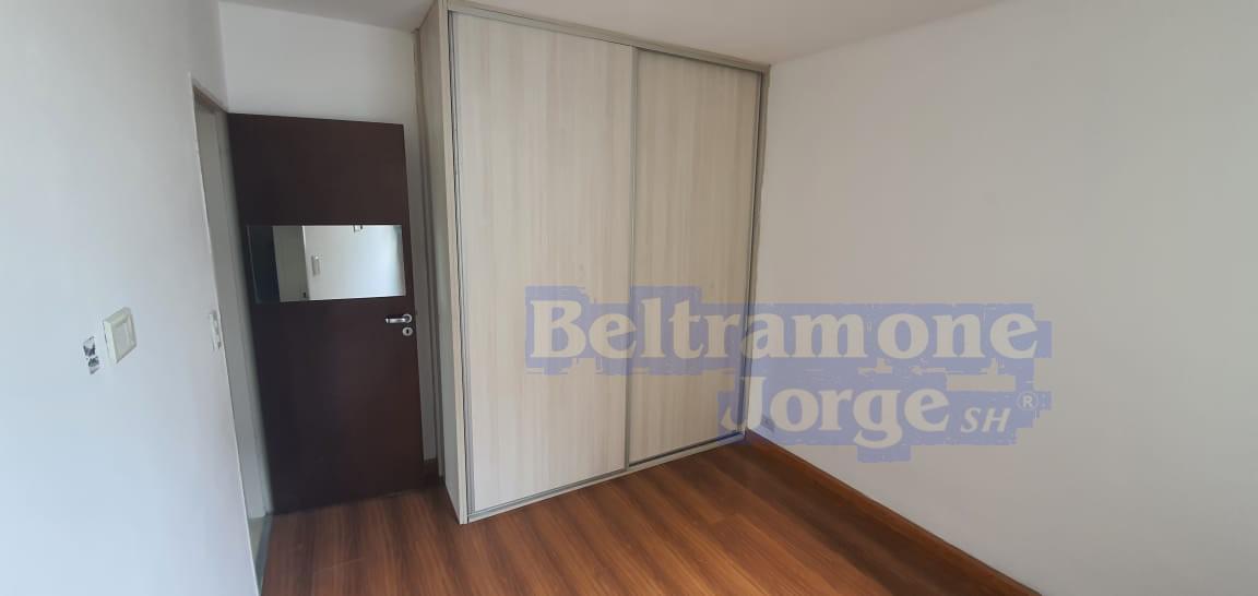 Foto Departamento en Venta en  Alberdi,  Rosario  Vila al 700
