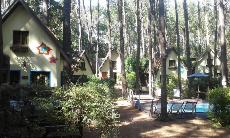 Foto Hotel en Venta en  Mar Azul,  Villa Gesell  9 cabañas  con pileta