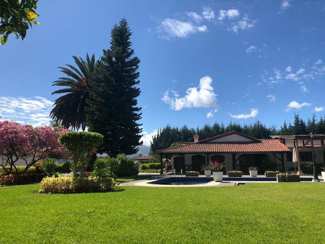 Foto Casa en Venta | Alquiler en  Tumbaco,  Quito  Gaspar de Carvajal y Pasaje Pons