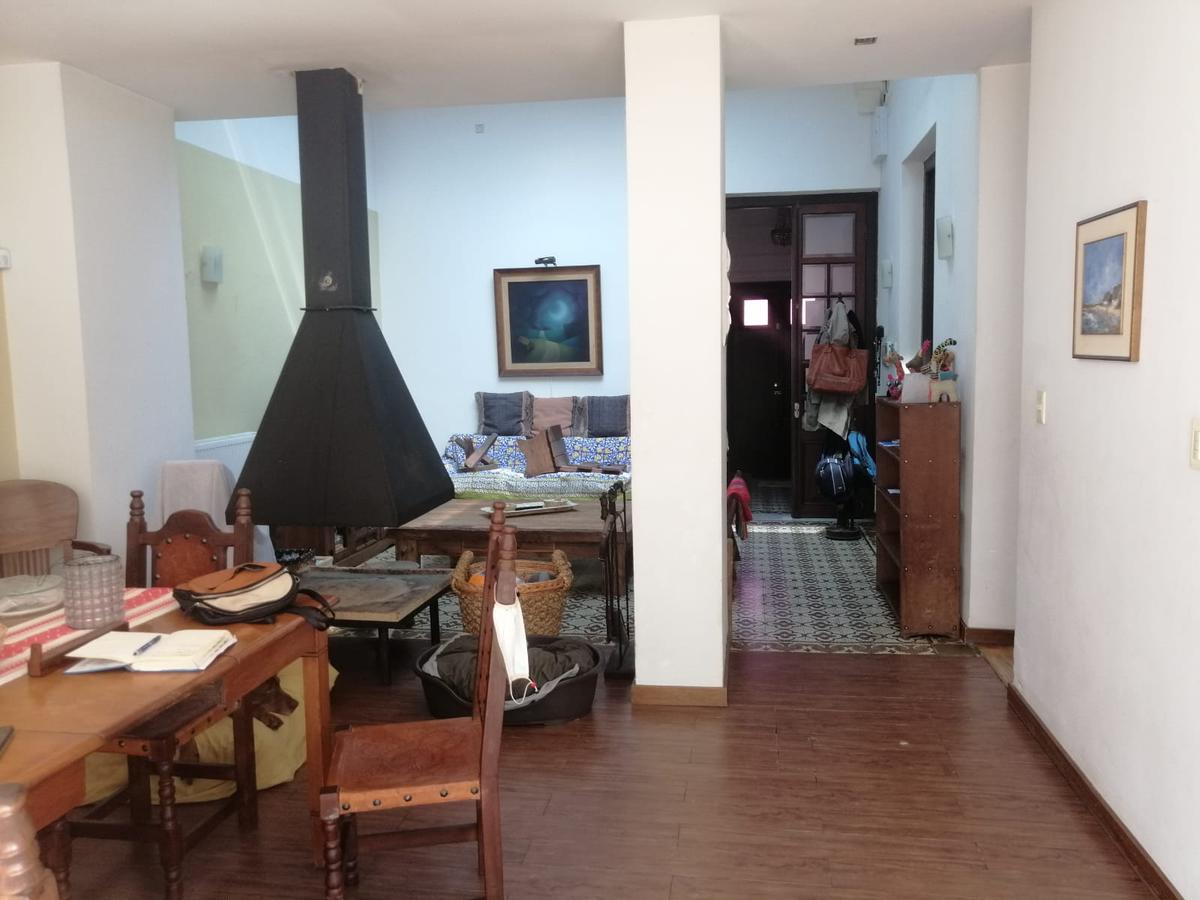 Foto Casa en Venta en  Pocitos ,  Montevideo  Libertad y Obligado