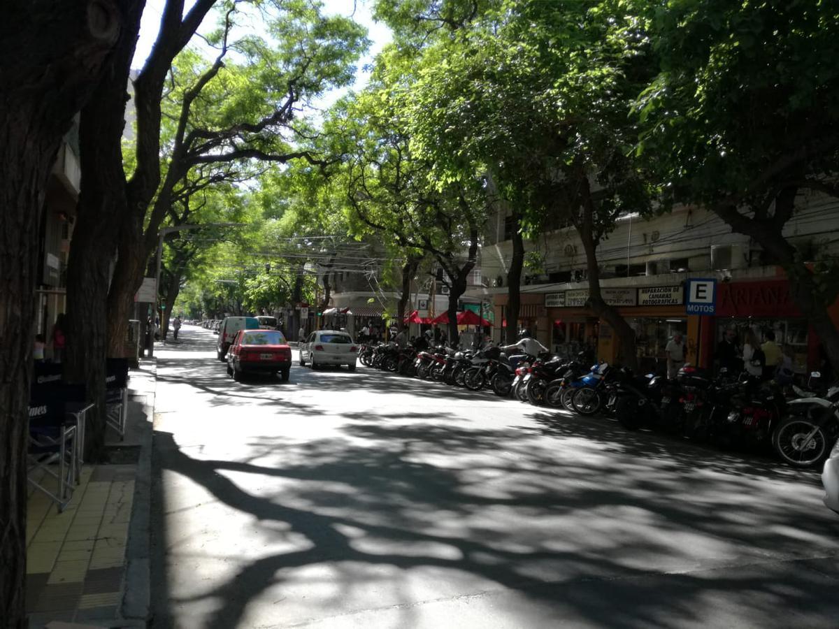 Foto Local en Alquiler en  Capital ,  San Juan  Laprida 27 Oeste