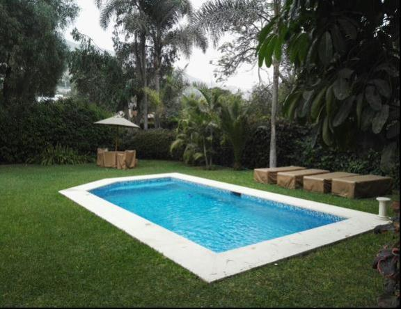 Foto Casa en Venta en  Santiago de Surco,  Lima  Calle LAS COLINAS N°1XX