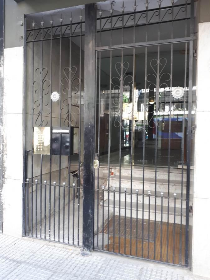 Foto Departamento en Alquiler temporario en  Balvanera ,  Capital Federal  Pueyrredón al 700