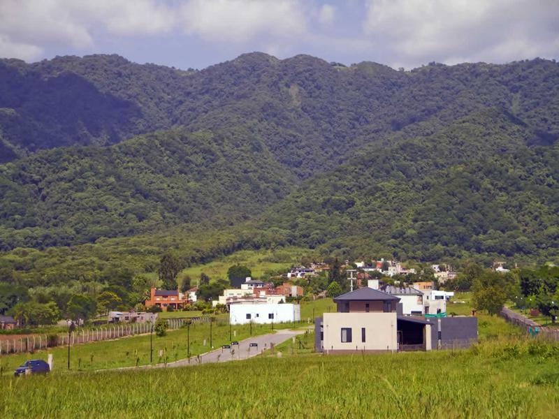 Foto Terreno en Venta en  Yerba Buena ,  Tucumán  Las Jarillas Country Club