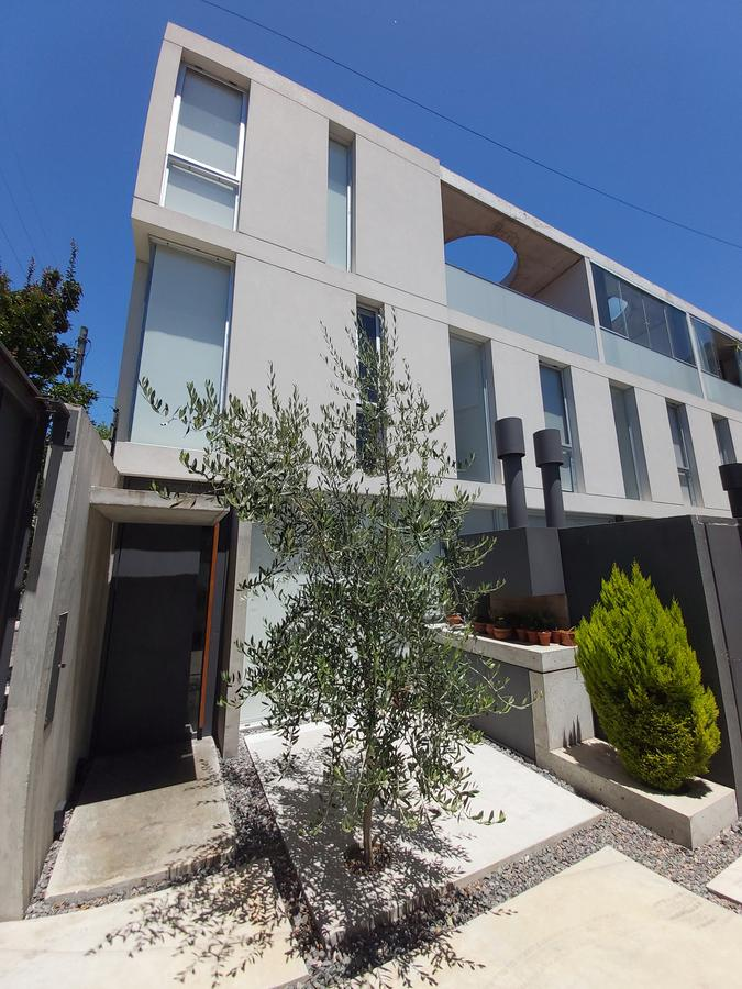 Foto Casa en Venta en  Olivos-Maipu/Uzal,  Olivos  Mariano Moreno 1503