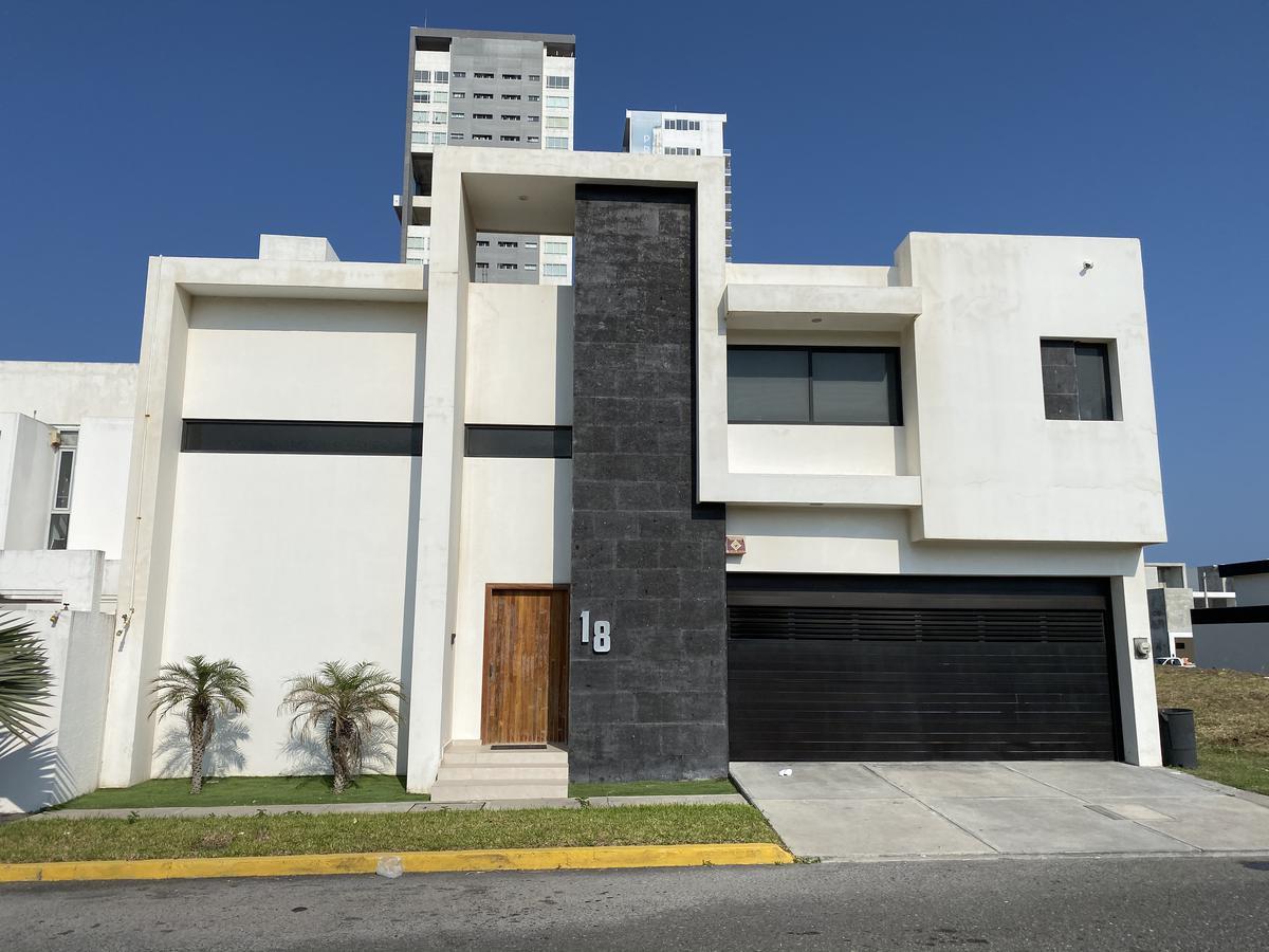Foto Casa en Venta | Renta en  Playas del Conchal,  Alvarado  PLAYAS DEL CONCHAL, CASA en VENTA, o RENTA  amueblada , vista al mar, alberca y Rec. Planta Baja.