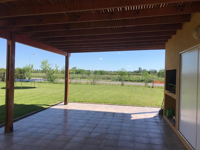 Foto Casa en Venta en  El Canton - Islas,  Countries/B.Cerrado (Escobar)  El Canton Islas