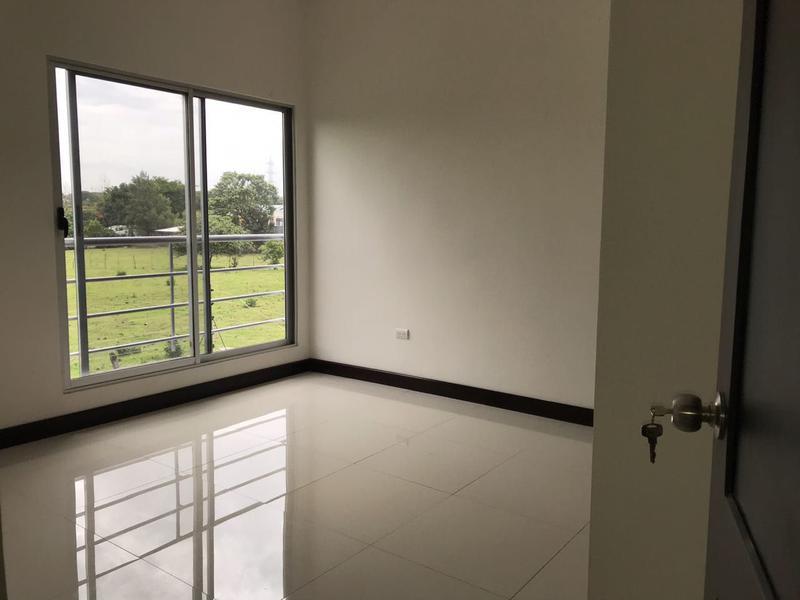 Foto Casa en Venta en  Santana,  Santa Ana  Casa en Santa Ana con baja cuota de mantenimiento