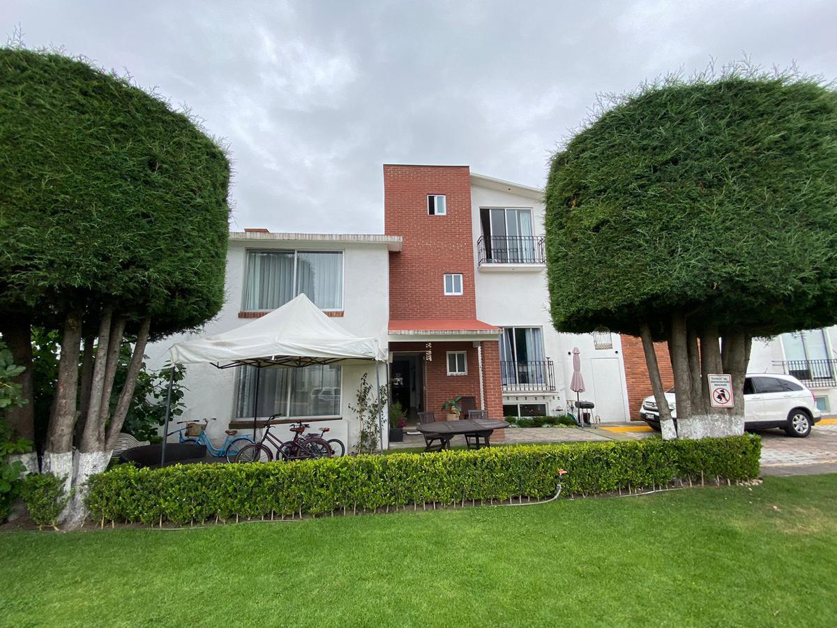 Foto Casa en condominio en Venta en  Paseo San Isidro 400,  Metepec  CASA VENTA RINCON DE SAN ISIDRO