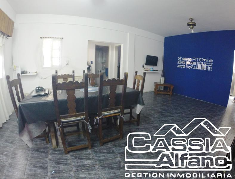 Foto Casa en Venta en  Lomas De Zamora,  Lomas De Zamora  HOMERO 767