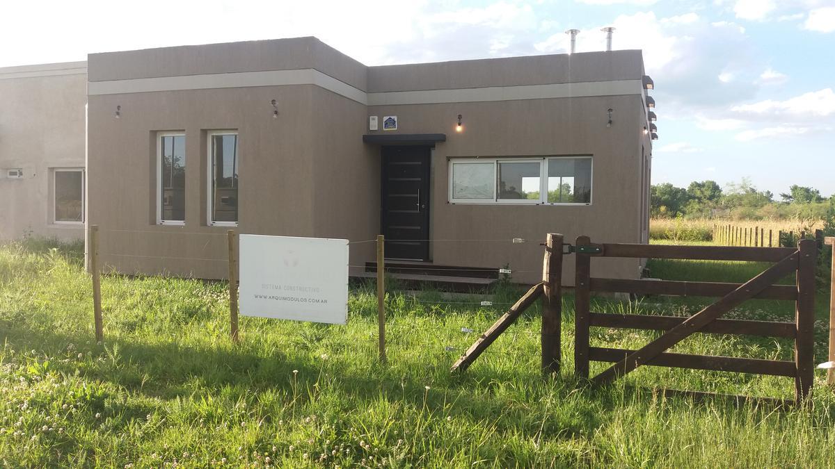 Foto Casa en Venta en  Coronel Brandsen,  Coronel Brandsen  Calle s/n entre Alberti y Saenz Peña