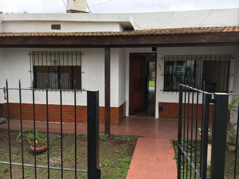 Foto Casa en Alquiler en  Stone,  Belen De Escobar  Victor Hugo 465