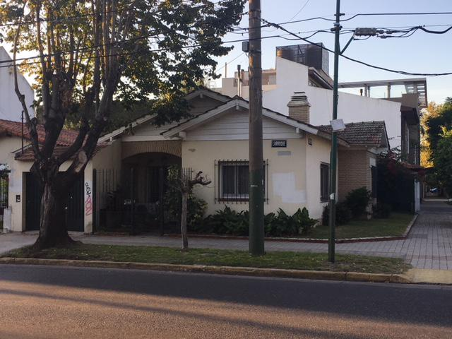 Foto Casa en Venta en  Banfield Oeste,  Banfield  LARROQUE al 800