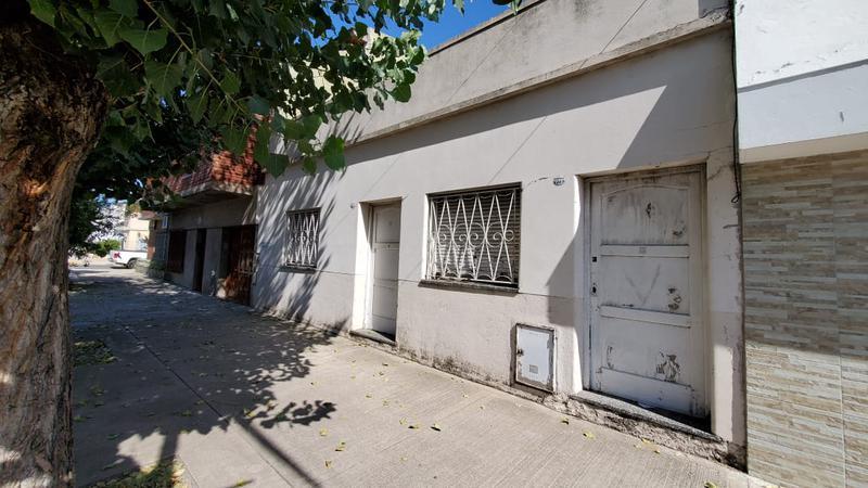 Foto Casa en Venta en  Mataderos ,  Capital Federal  G. de Laferrere al 7300, mataderos, 3 ambientes sobre lote de 8,66 x 27,50.