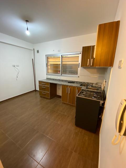 Foto Departamento en Venta en  Lomas De Zamora ,  G.B.A. Zona Sur  Rivera al 200