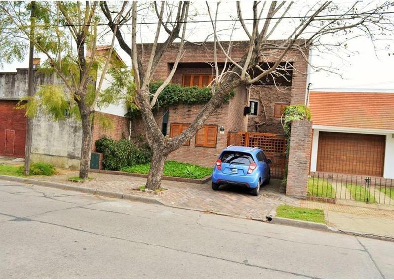 Foto Casa en Venta en  Quilmes,  Quilmes  Uriburu 941