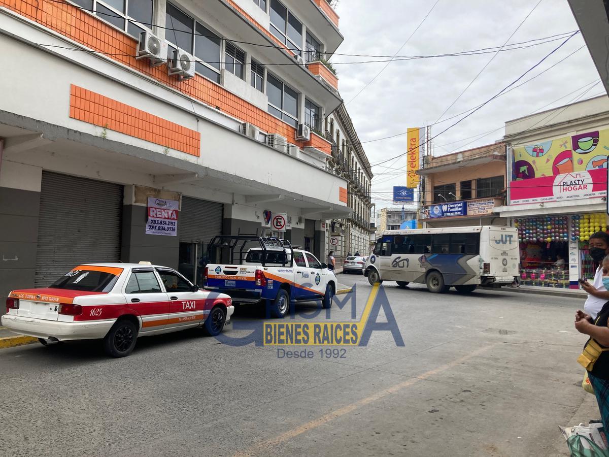 Foto Local en Renta en  Centro,  Tuxpan  LOCAL COMERCIAL EN MUY BUENA UBICACIÓN ZONA CENTRO