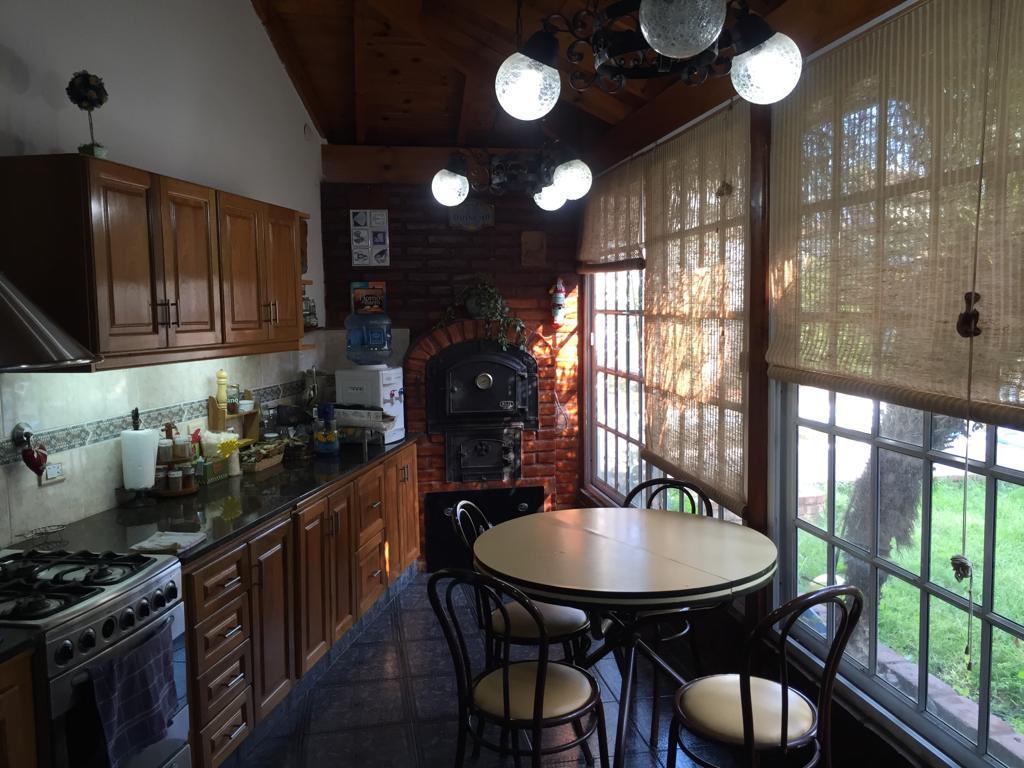 Foto Casa en Venta en  Barrio Marina,  Villa Luzuriaga  Miguel Cane al 3200