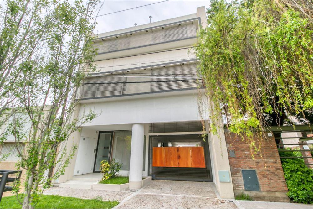 Foto Departamento en Venta en  Tolosa,  La Plata  11 Entre 526 y 527