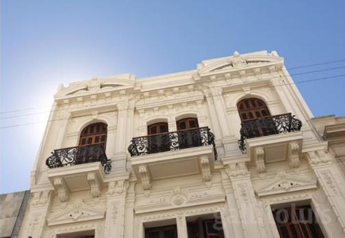 Foto Departamento en Venta en  Ciudad Vieja ,  Montevideo  Rincon y Juncal con renta
