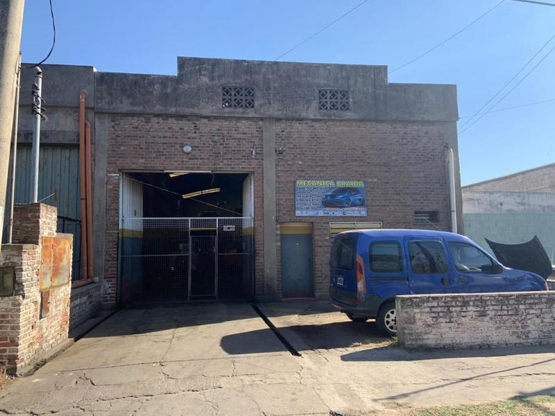 Foto Galpón en Venta en  Los Gigantes,  Cordoba Capital  B° Los Gigantes - Saavedra Lamas 0