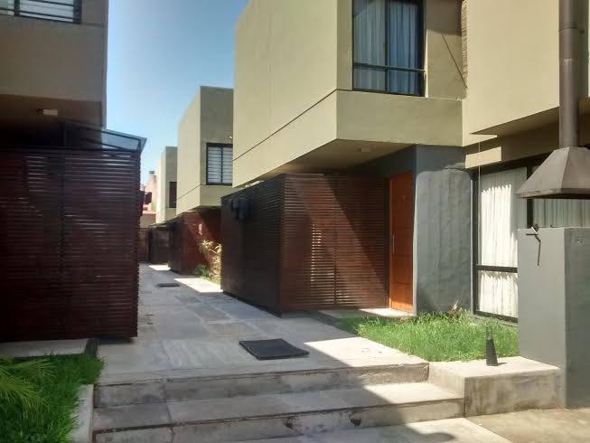 Foto Casa en Venta en  San Miguel De Tucumán,  Capital  Duplex  Pj Los Sosa 4750 Entrega inmediata. Financiado