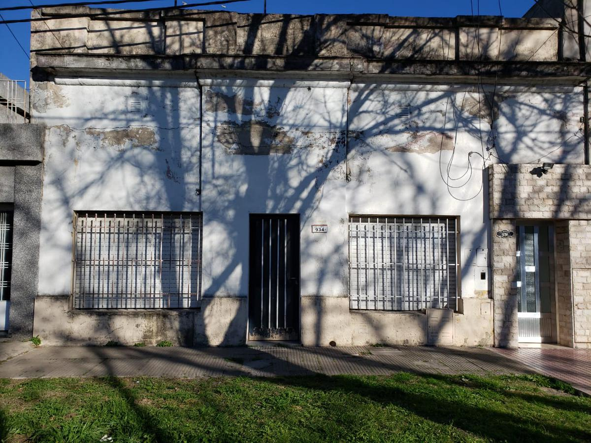 Foto Casa en Alquiler en  Azcuenaga,  Rosario  TENIENTE AGNETA  934 A