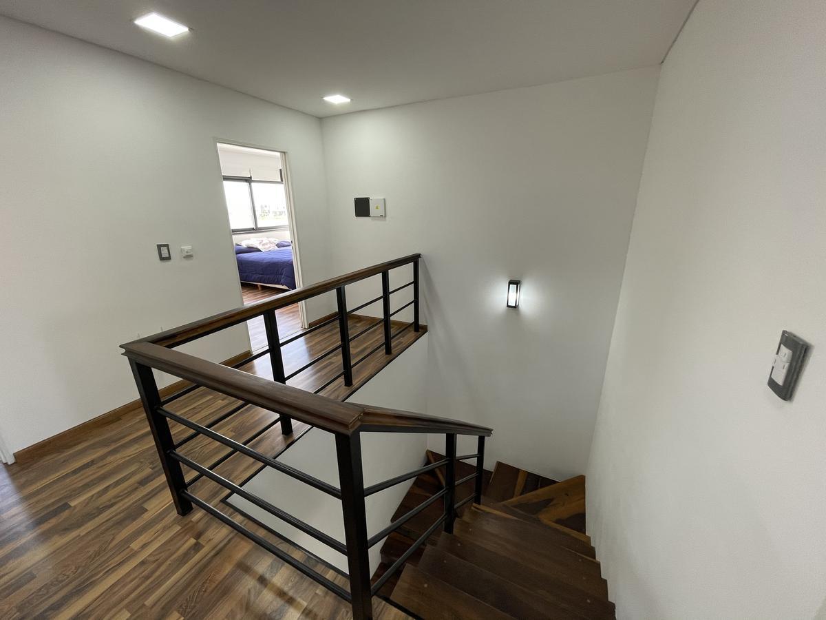Foto Casa en Venta en  Villalobos,  Guillermo E Hudson  Villa Lobos