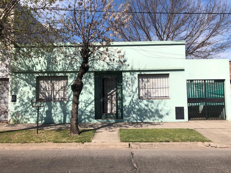Foto Casa en Venta en  Centro De Lujan,  Lujan  Las Heras Nº 1381