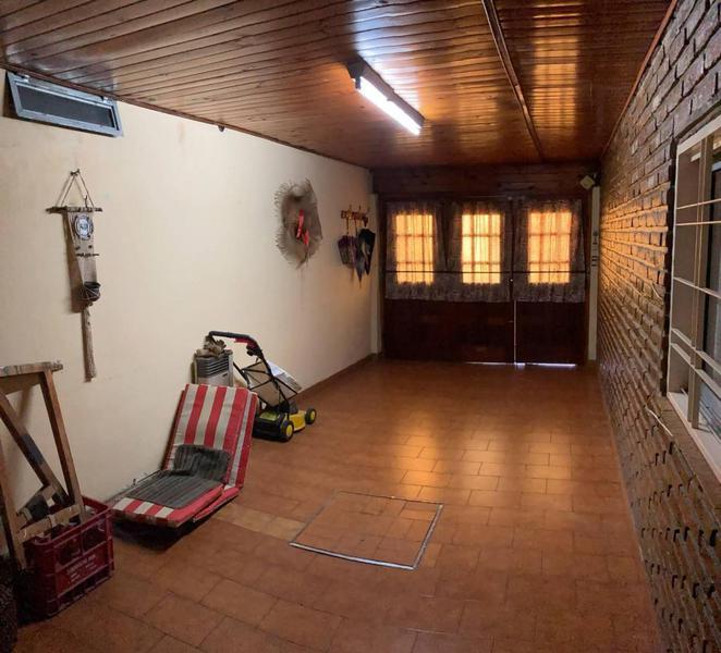 Foto Casa en Venta en  Quilmes Oeste,  Quilmes  Madres de Plaza de Mayo 1049