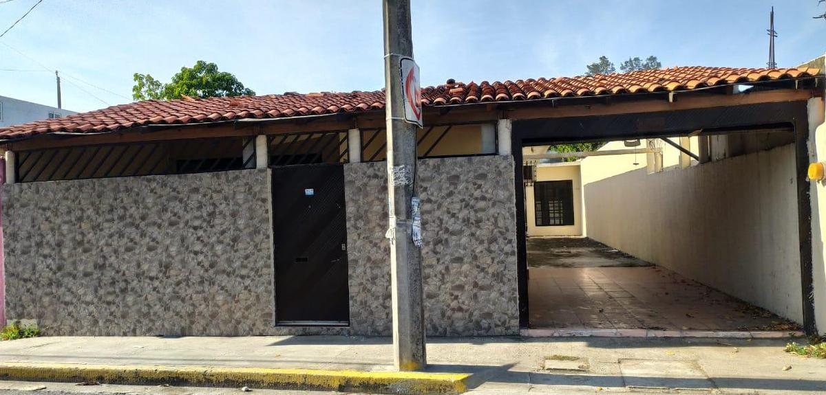 Foto Casa en Venta en  Las Antillas,  Veracruz  Fracc. Las Antillas, Veracruz. Cerca de la Boticaria y Plazas Comerciales