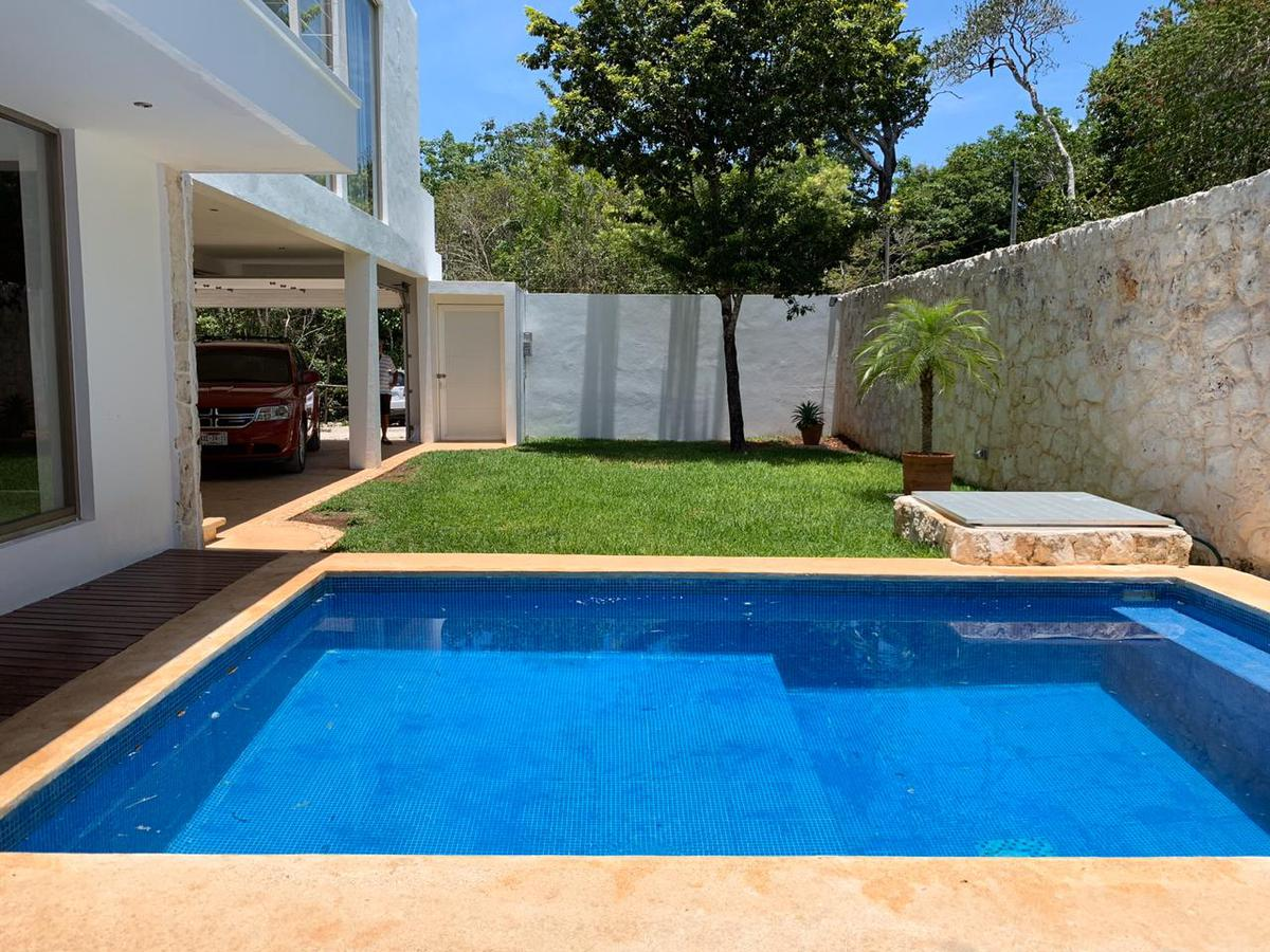 Foto Casa en Venta en  Colegios,  Cancún             CASA EN VENTA/RENTA EN CANCUN EN COLONIA COLEGIOS