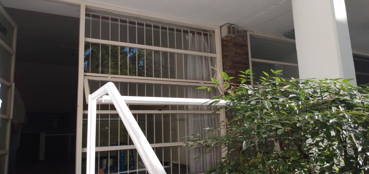 Foto Oficina en Alquiler en  Centro,  Rosario  Local / Oficina - 9 de Julio 2249 00-01