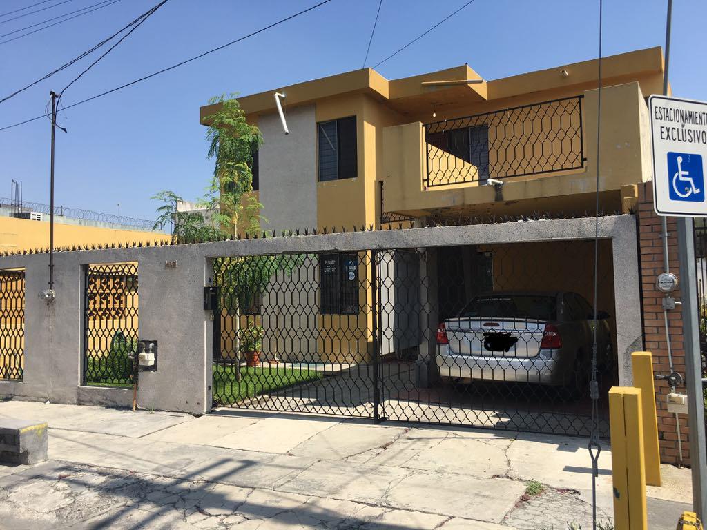 Foto Casa en Venta |  en  Santa Fe,  Monterrey  Casa en Venta Troqueles y Turin Fraccionamiento Santa Fe